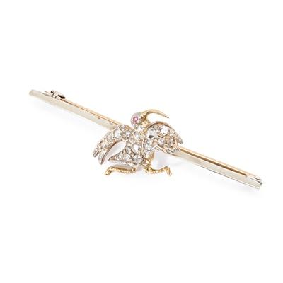 Lot 105 - A diamond bar brooch