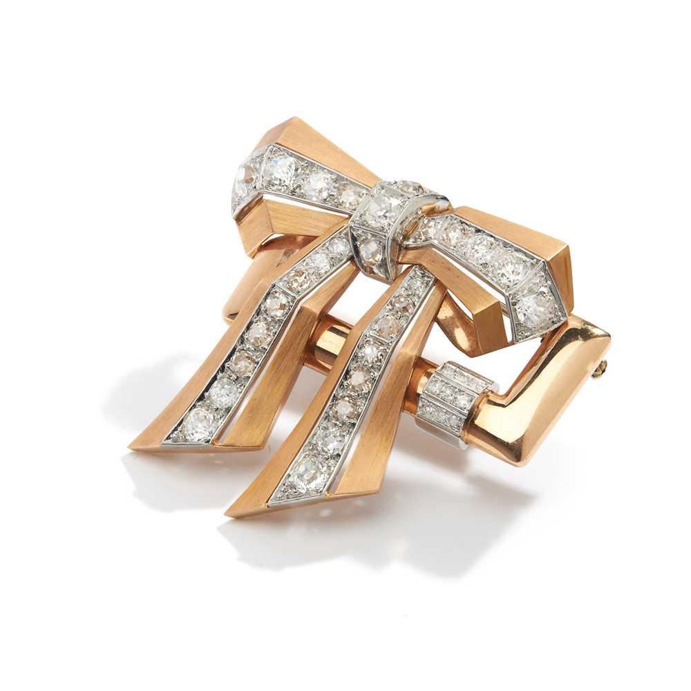 Lot 36 - A diamond bow brooch, 1940s