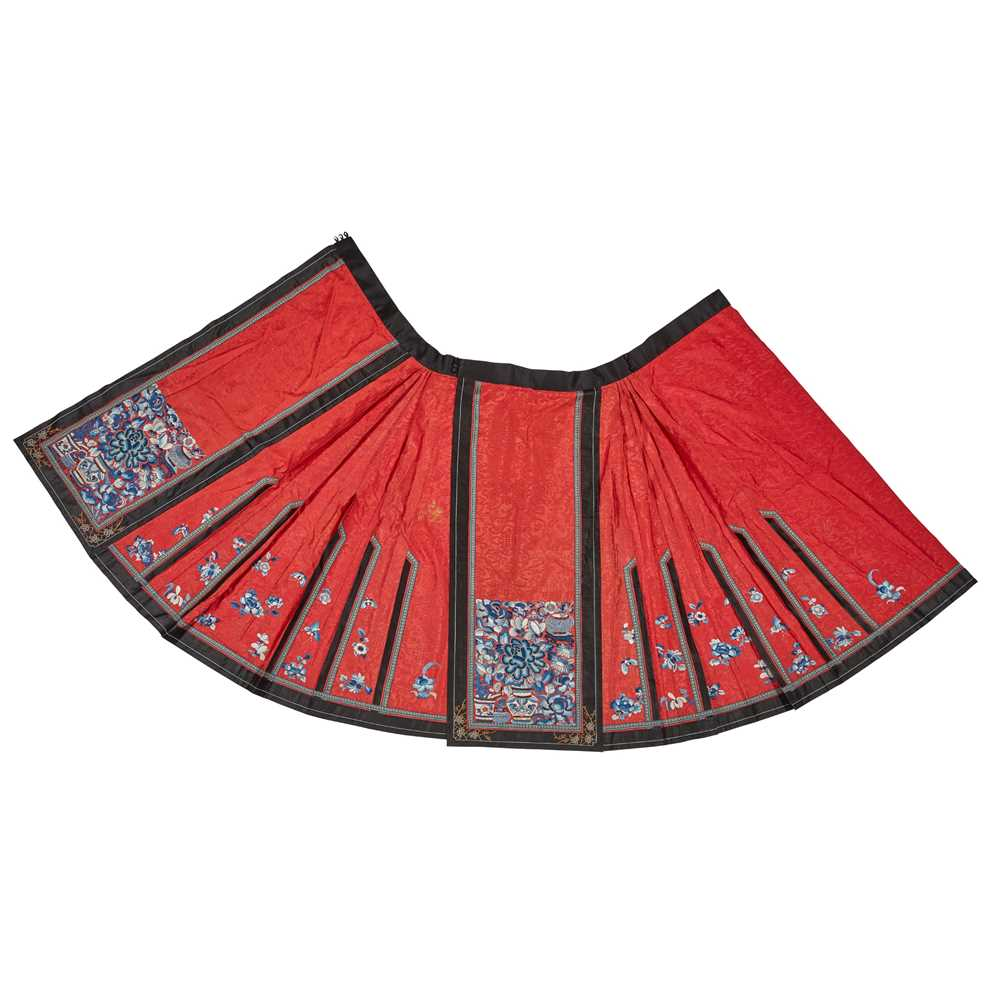 Lot 16 - HAN CHINESE WOMAN'S EMBROIDERED RED SILK PLEATED SKIRT