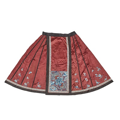 Lot 17 - HAN CHINESE WOMAN'S EMBROIDERED PERSIMMON SILK PLEATED SKIRT