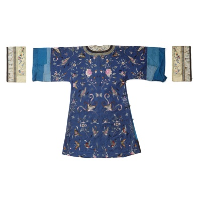 Lot 21 - BLUE-GROUND SILK EMBROIDERED 'BUTTERFLY' LADY'S INFORMAL ROBE