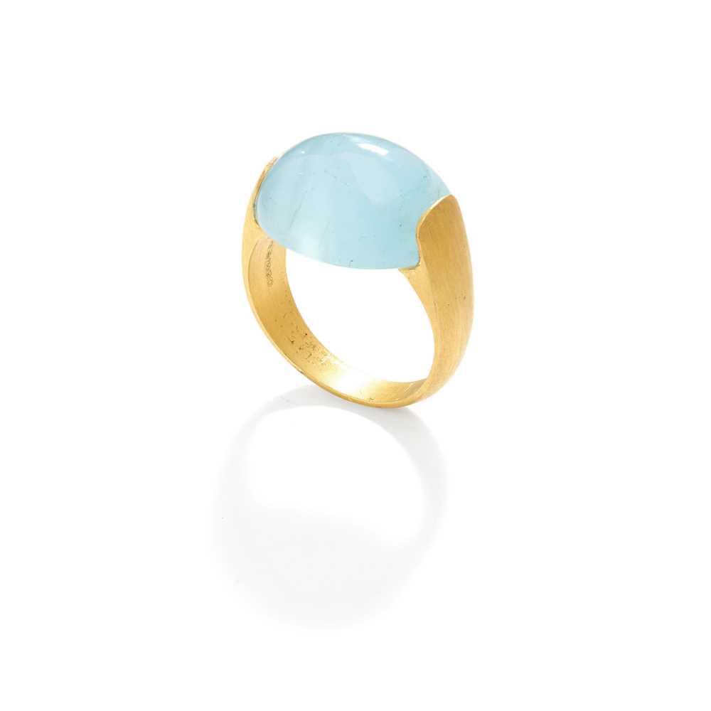 Lot 95 - An aquamarine single-stone ring