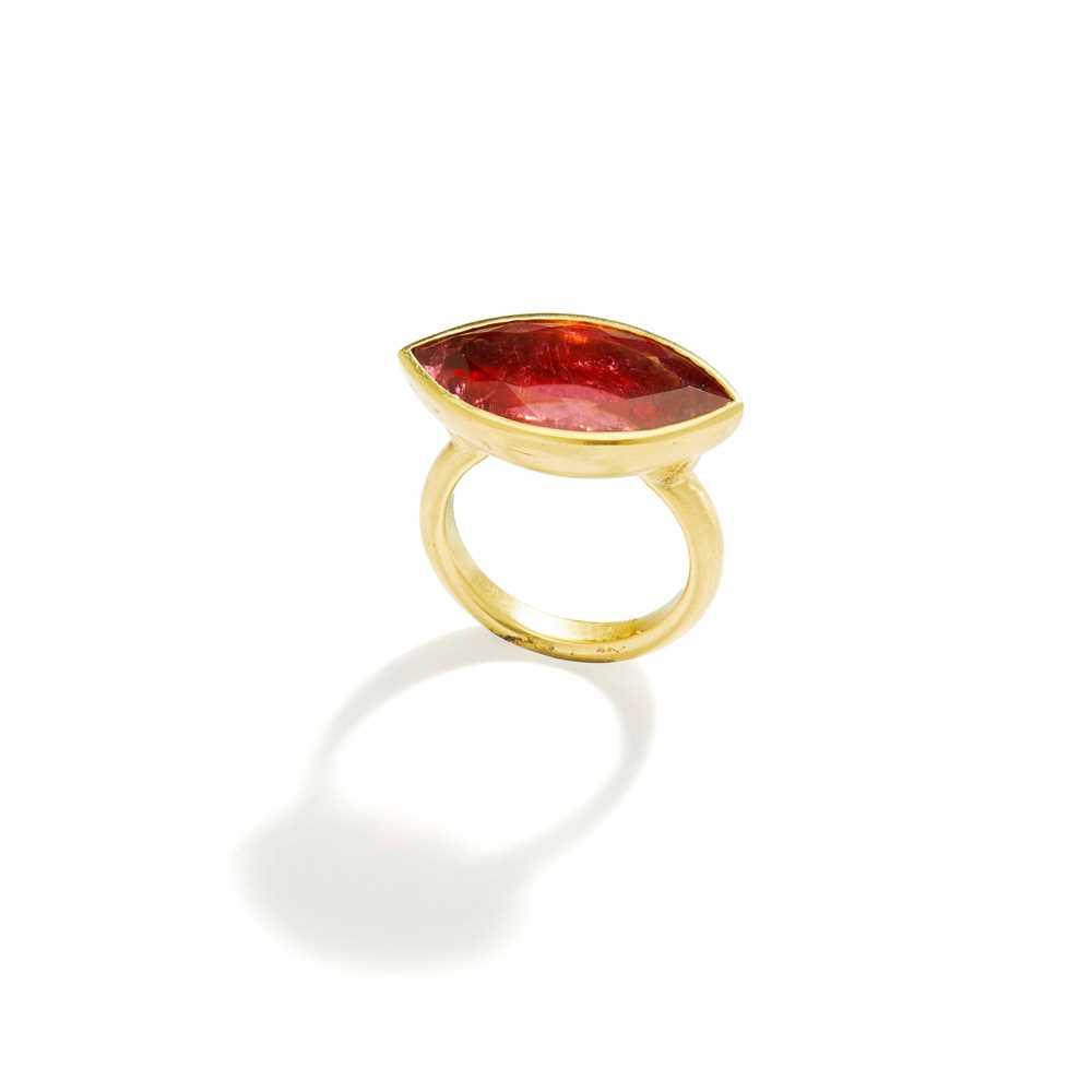 Lot 78 - A pink tourmaline single-stone ring