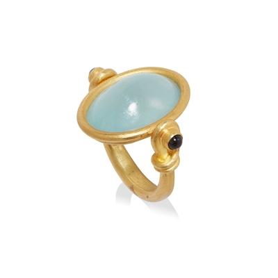 Lot 111 - An aquamarine and sapphire swivel ring