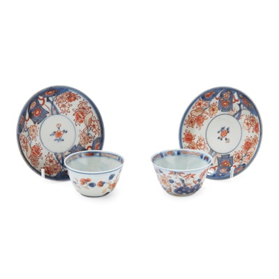 Lot 119 - (A PRIVATE ENGLISH COLLECTION, LOT 117-125) TWO SETS OF IMARI CUPS AND SAUCERS