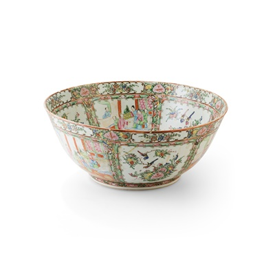Lot 121 - (A PRIVATE ENGLISH COLLECTION, LOT 117-125) CANTON FAMILLE ROSE PUNCH BOWL