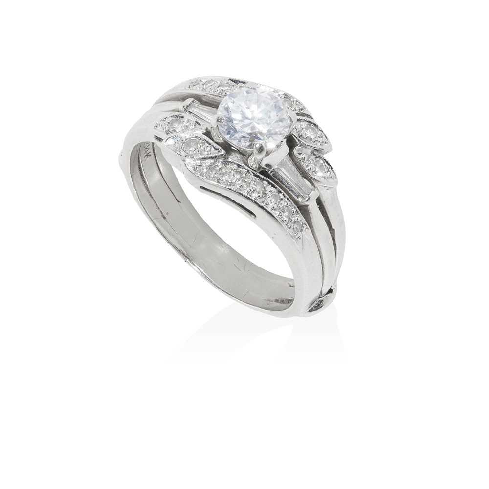 Lot 89 - A diamond ring