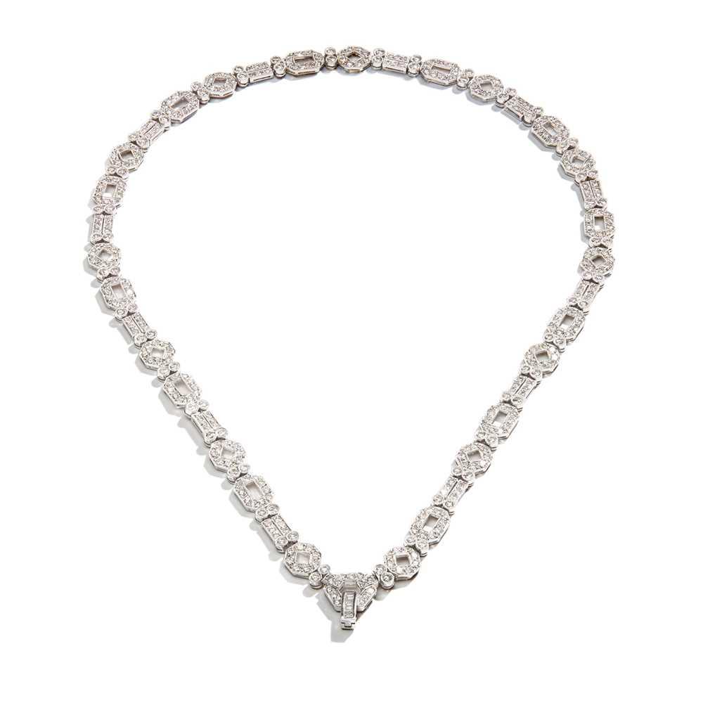 Lot 56 - A diamond necklace