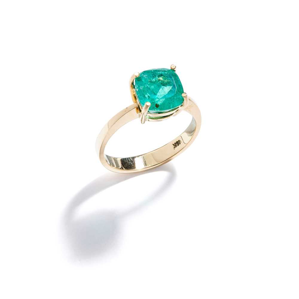 Lot 68 - An emerald single-stone ring