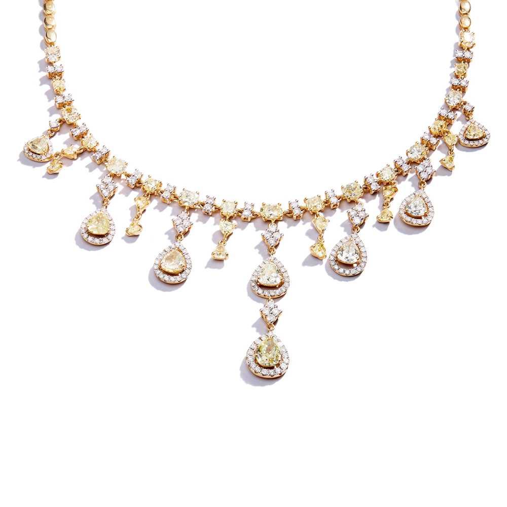 Lot 42 - A diamond and coloured diamond fringe necklace