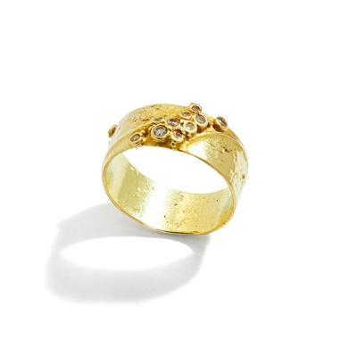 Lot 87 - A diamond-set ring, by Gerda Flöckinger, circa 1975