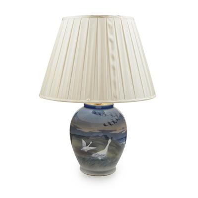 Lot 58 - A ROYAL COPENHAGEN PORCELAIN TABLE LAMP