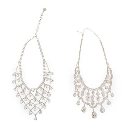 Lot 122 - A diamond-set bangle