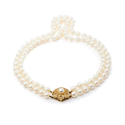 Lot 118 - A cultured pearl and diamond necklace, by Leo De Vroomen, 1985