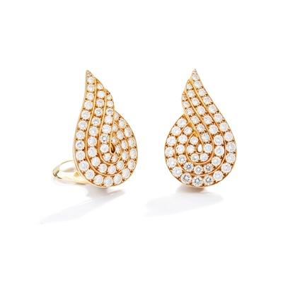 Lot 130 - A pair of diamond earclips, by Van Cleef & Arpels