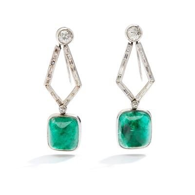 Lot 104 - A pair of Art Deco emerald and diamond pendent earrings, circa 1930