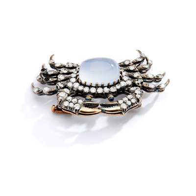 Lot 4 - A chalcedony and diamond crab brooch