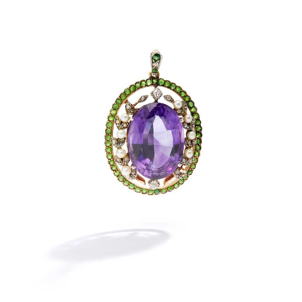 Lot 59 - An early 20th century gem-set pendant, circa 1910