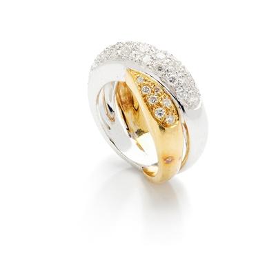 Lot 126 - A diamond-set crossover ring