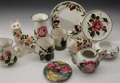 Lot 74 - A group of Wemyss and Griselda Hill wares,...