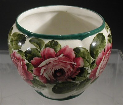 Lot 96 - A Wemyss 'Roses' Combe jardiniere, painted...