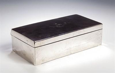 Lot 26 - A Victorian silver cigarette box, with marks...