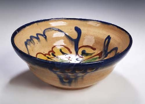 Lot 165 - Bernard Leach (1897-1979)<br/> An earthenware bowl